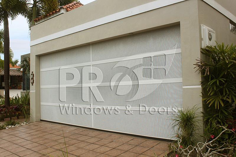 Puertas de garaje puerto rico garage doors pro windows for Portones de garaje